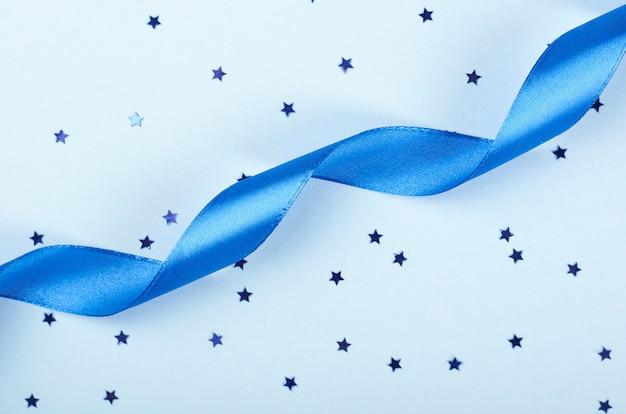 Decoratief blauw lint plat lag.