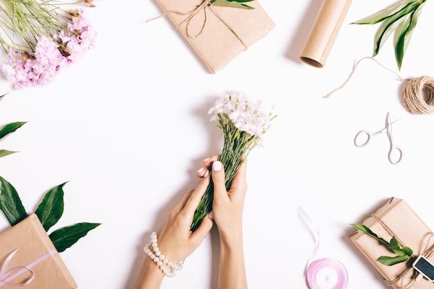 Decoraties en geschenken voorbereiden