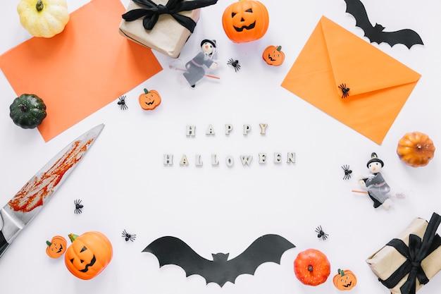 Decoraties met happy halloween-inscriptie in het midden