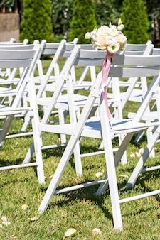 Decoraties voor pasgetrouwden, pad van rozenblaadjes, decoraties voor pasgetrouwden