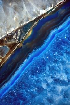 Decoratieve agaatplaat. blauwe halfedelsteen. abstracte achtergrond voor design
