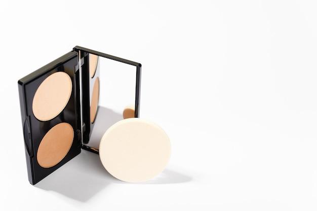 Decoratieve cosmeticaproducten voor professionele make-up