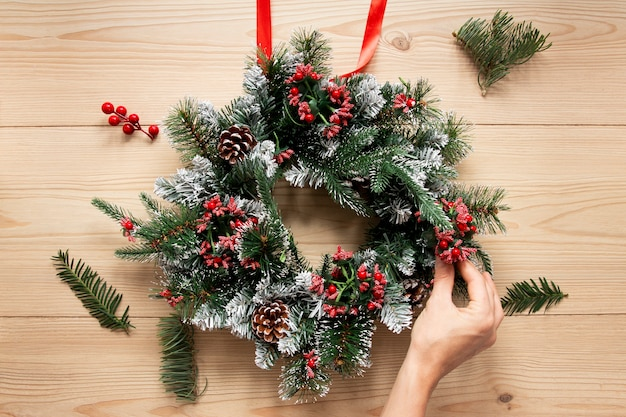Decoratieve kerst krans samenstelling