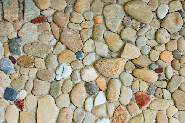 Decoratieve moderne stenen muur van afgebroken steen