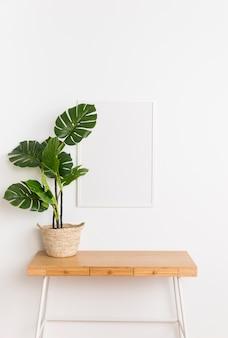 Decoratieve plant met leeg frame