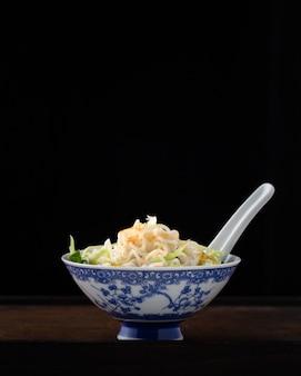 Deegkom van de noedel, traditionele chinese recip