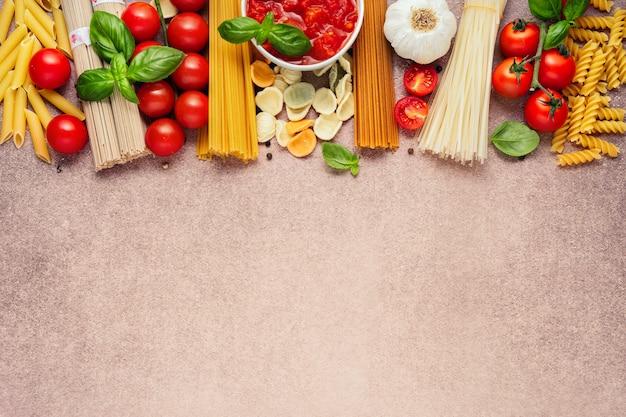 Deegwareningrediënten op lichte rustieke achtergrond