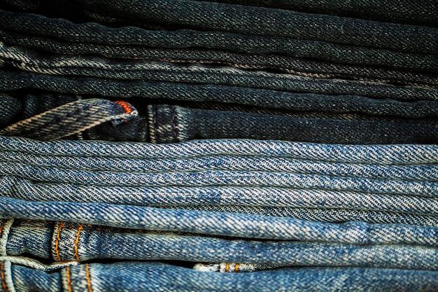 Denim jeans stapel