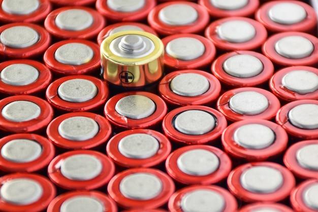 Denk anders concept anode batterij betekent anders denken