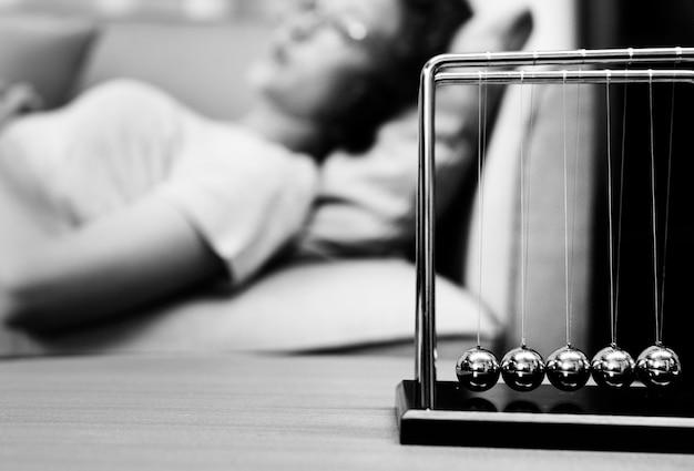 Depressieve patiënt krijgt behandeling van een psycholoog