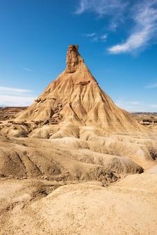 Desertic landschap in bardenas reales van navarra, spanje.