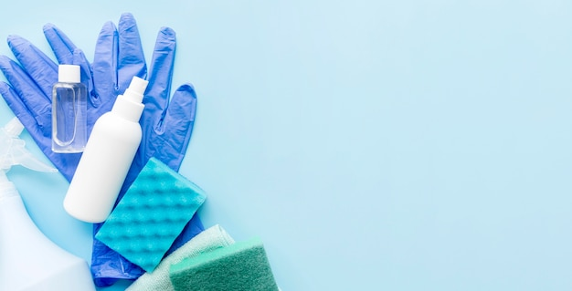 Desinfectie-apparatuur op tafel