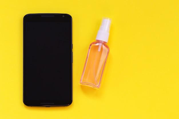 Desinfectie mobiele telefoon, apparaten, gadgets, minimaliseren van risico op infectie.