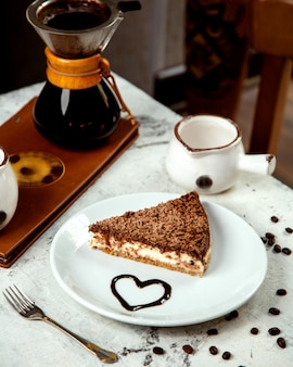 Dessert gegarneerd met chocoladeschilfers
