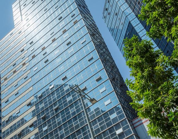 Detail schot van moderne architectuur gevel