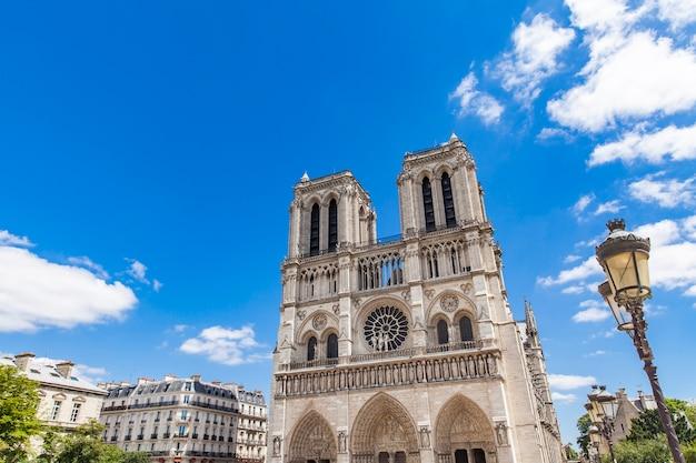 Detail van de cathedrale notre dame de paris, frankrijk