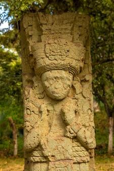 Detail van een figuur in de tempels van copan ruinas