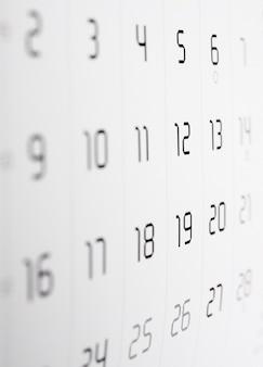 Detail van een kalenderpagina met selectieve focus