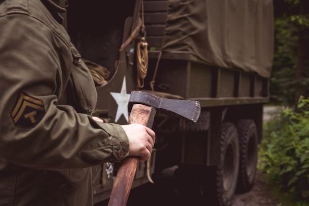 Detail van een oude legerauto voor het vervoer van een soldaat