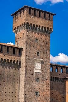 Detail van het sforza-kasteel in milaan, italië