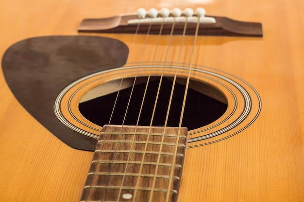 Detail van klassieke gitaar met ondiepe diepte veld