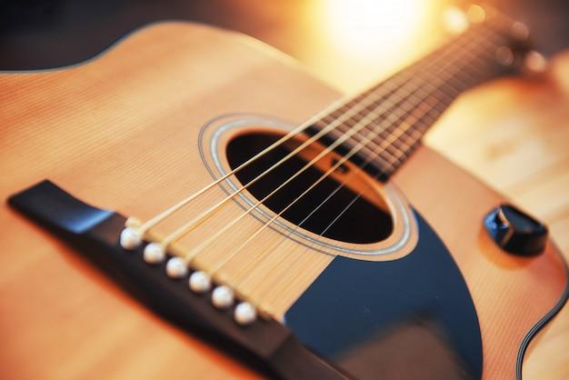 Detail van klassieke gitaar met ondiepe scherptediepte