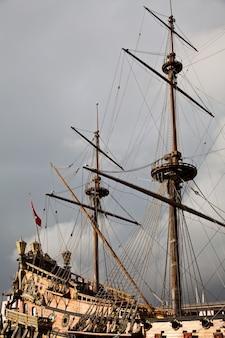 Detail van neptune galleon, gebruikt door r. polansky voor de film pirates