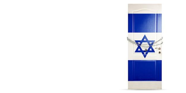Deur gekleurd in de nationale vlag van israël, vergrendeling met ketting. landen worden afgesloten tijdens coronavirus, covid-verspreiding. concept van geneeskunde en gezondheidszorg. wereldwijde epidemie, quarantaine. kopieerruimte.