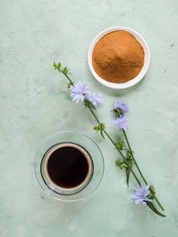 Diabetische koffie met witlof. alternatieve vervanging voor zwarte koffie