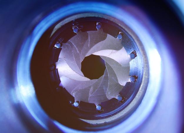Diafragma van een lensclose-up op een donkere achtergrond