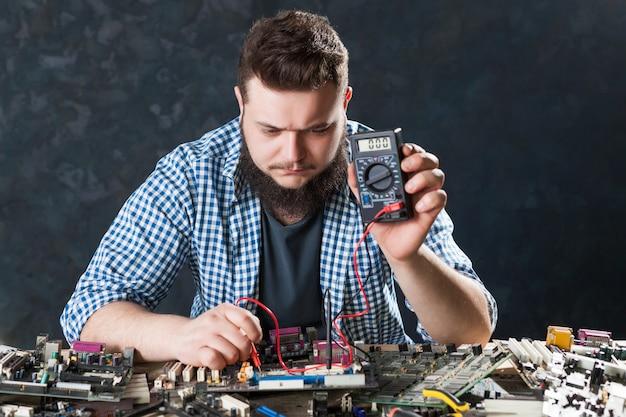 Diagnose van elektronische componenten van computerhardware