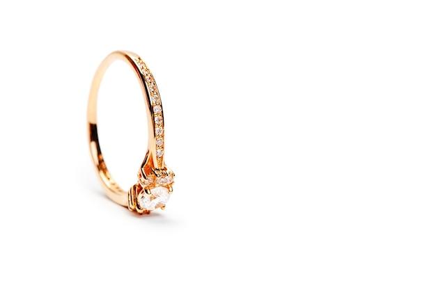 Diamanten ring geïsoleerd op wit