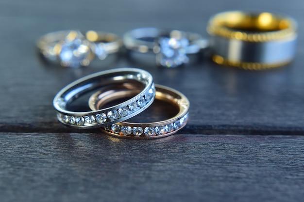 Diamanten ring, luxe trouwring