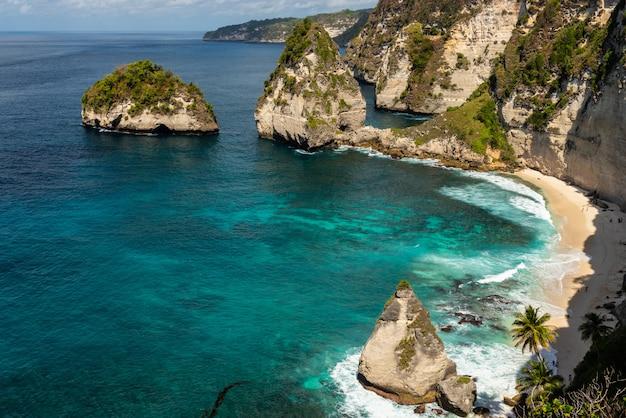 Diamond beach. nusa penida, bali, indonesië