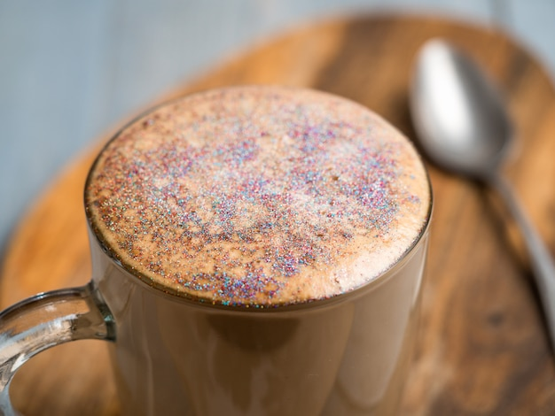 Diamond cappuccino-koffie met eetbare glitter
