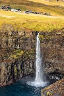 Dichtbij gasadalur dorp en waterval mulafossur. vagar. faeröer