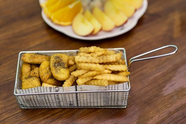 Die snacks voor afternoon tea-franse frietjes