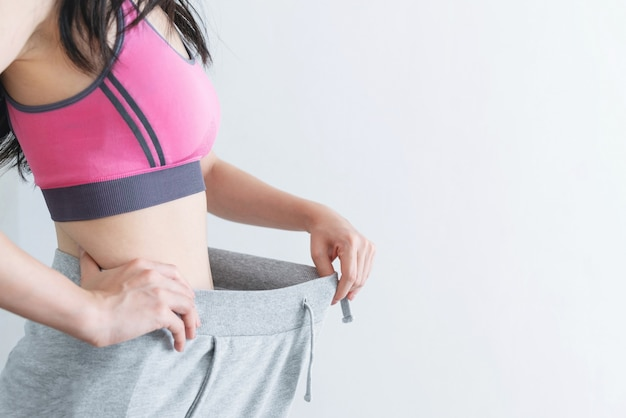 Dieet en gewichtsverlies concept, vrouw met slank en gezond lichaam
