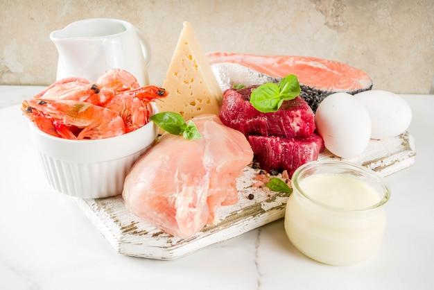 Dierlijke eiwitbronnen, vlees, agg, zuivelproducten, kaas, zeevruchten