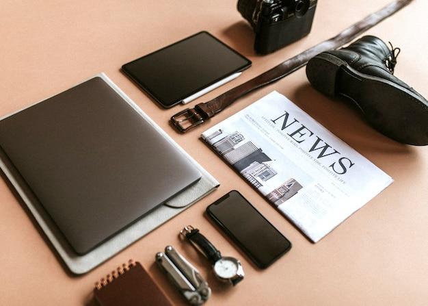 Digitaal apparaat met dagelijkse benodigdheden