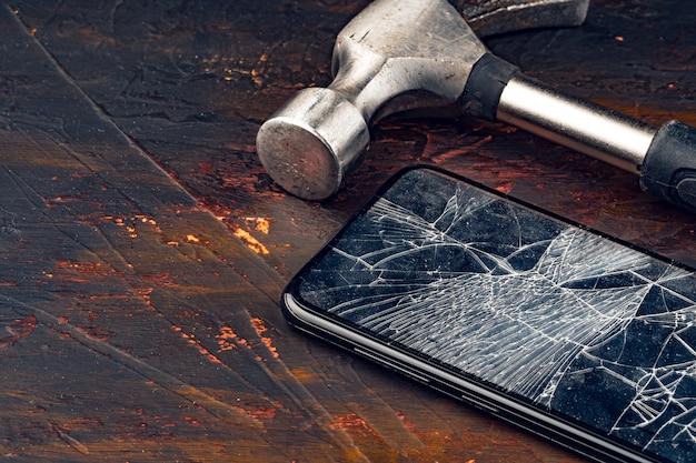 Digitaal gadget met hulpmiddelen. smartphone repareren