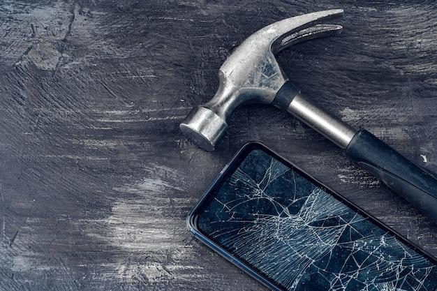 Digitale gadget met tools. smartphone-concept repareren