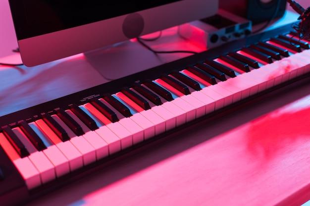 Digitale opname van synthesizertoetsenbord