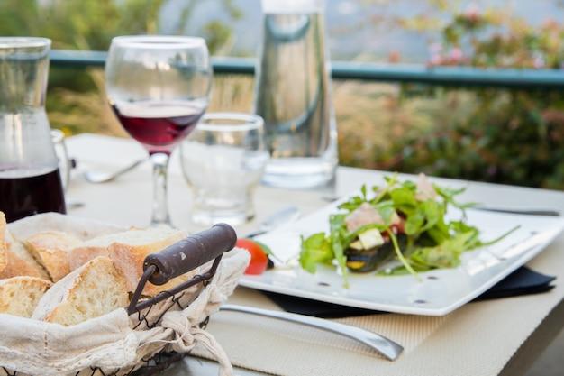 Diner met wijn. Gratis Foto