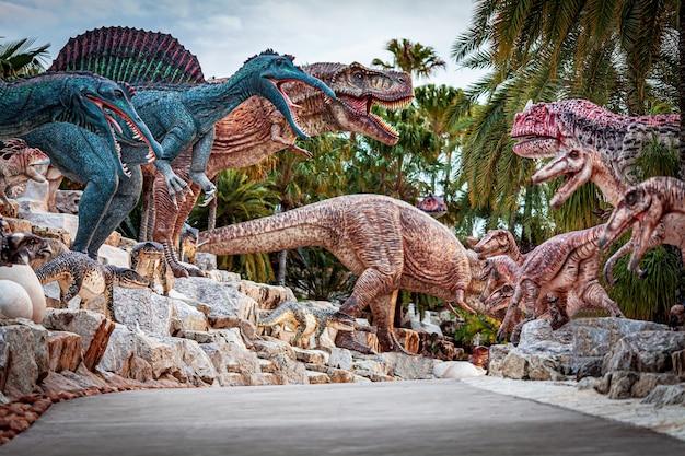 Dinosaur valley in de tropische botanische tuin nong nooch, pattaya, thailand