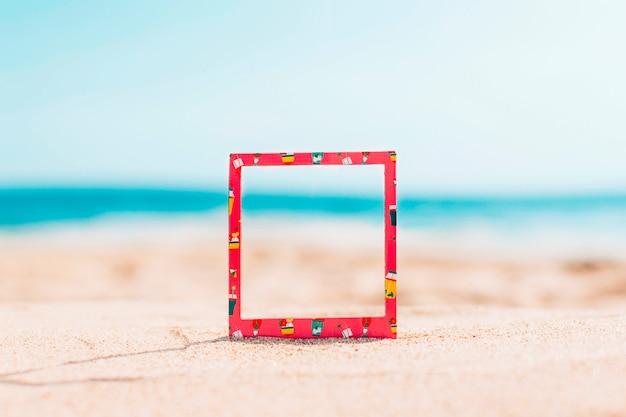 Direct frame met zomerpatroon en ruimte voor tekst