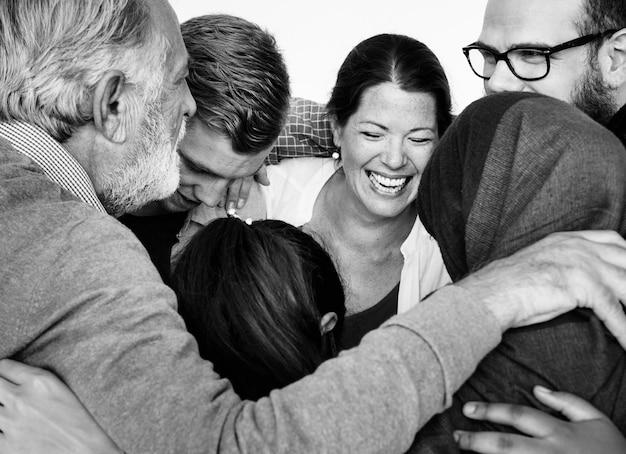 Diverse groep mensen samen teamwork studio portret