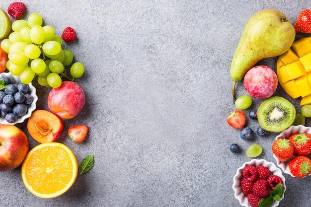 Diverse soorten fruit en bessen
