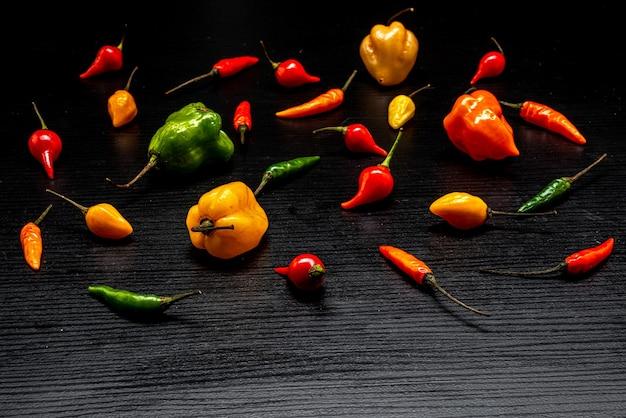 Diverse soorten pepers chilipepers pout cumari van para¡ meisjes vingergeur murupi cumari scot...