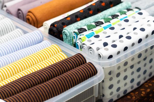 Diverse stukken stof om te naaien en te decoreren